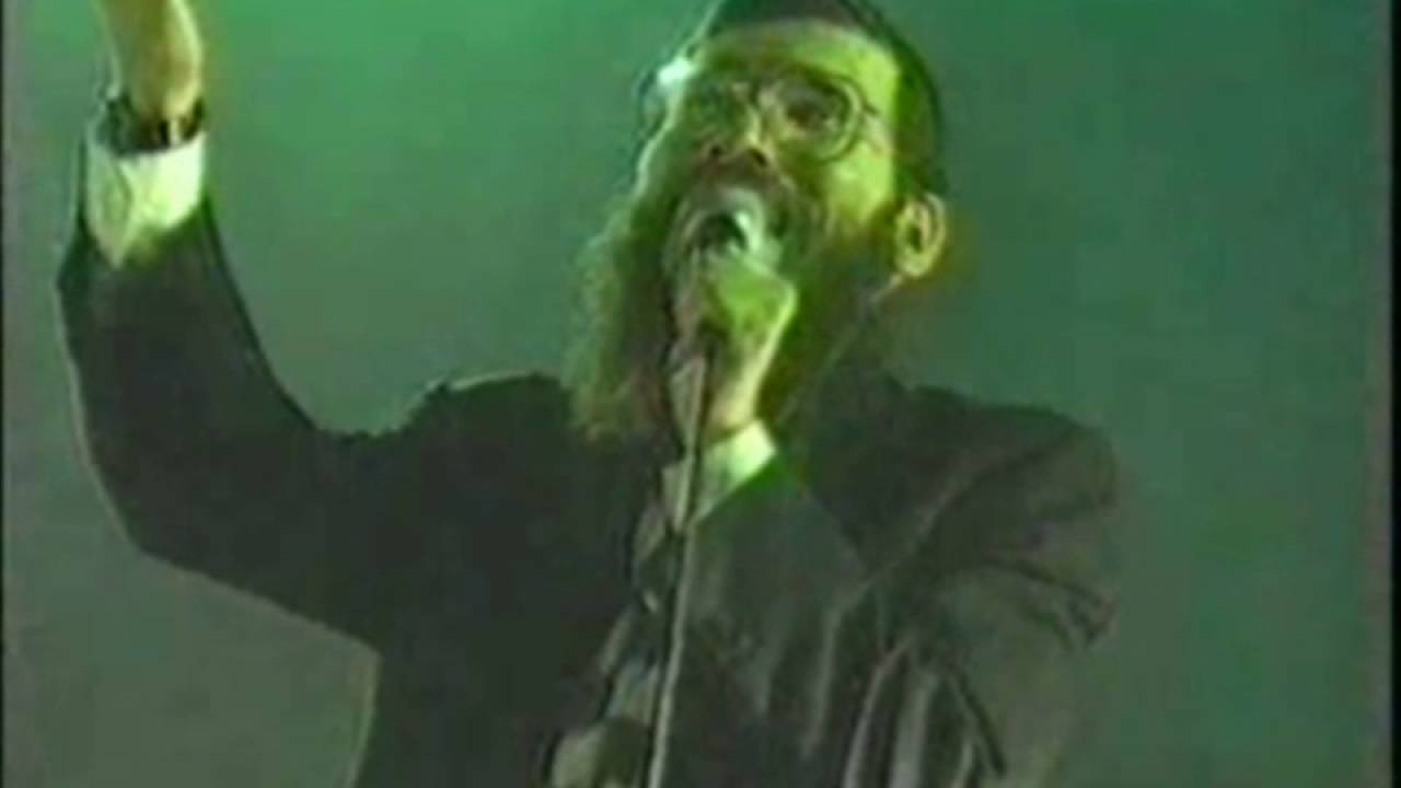 Avrohom Fried singing his Golden Oldies hits in 1995