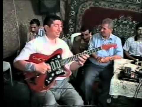 Mahmud ismayıloğlu gitara Leylim ley türk
