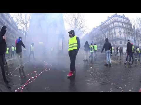 insurrection des gilets jaunes acte 3 paris /01 /12 /2018 france