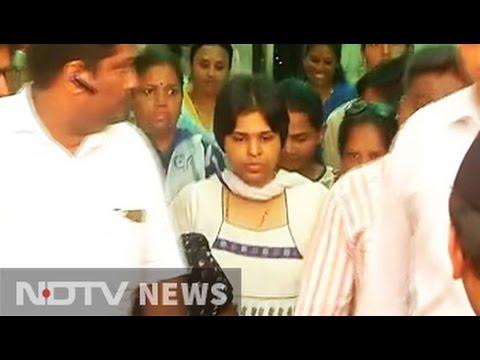 Activist Trupti Desai enters Mumbai