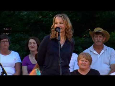 WoodSongs 675: Joan Osborne