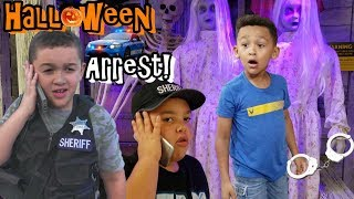 JAKE'S HALLOWEEN POLICE CHASE AT HORROR NIGHT & CREEPY COSTUME SHOP!