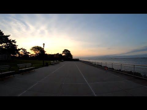 ⁴ᴷ⁶⁰ Walking NYC : Sunrise Walk from Sheepshead Bay to Manhattan Beach and Brighton Beach, Brooklyn