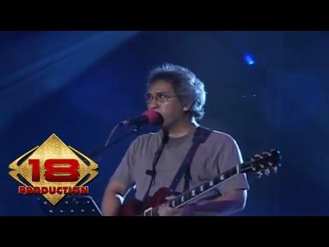 Iwan Fals - Ijinkan Aku Menyayangimu (Live Konser Pekan Raya Jakarta 2006)