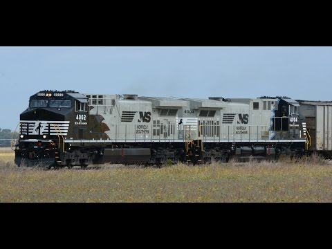 Norfolk Southern locomotives 4002 and 4004 on the BNSF