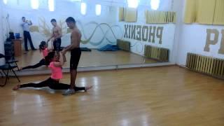 тренировка)парная акробатика)делаем номер ну или танец акробатический.