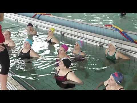lezione yoga in acqua