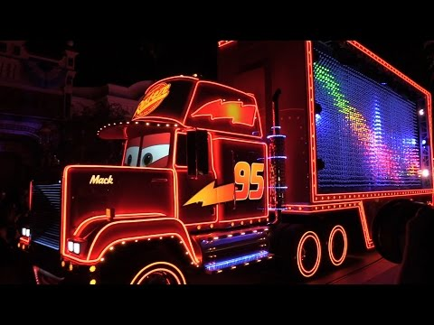 FULL Paint the Night parade debut at Disneyland for 60th anniversary