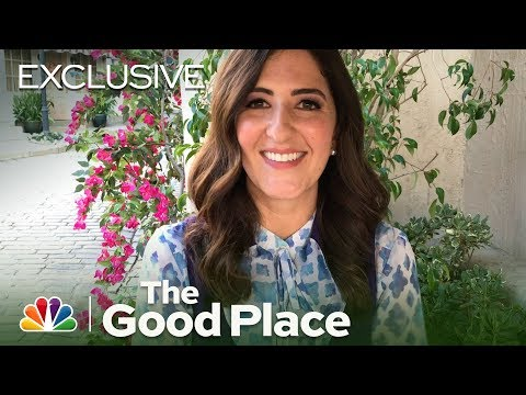 """""""Janet(s),"""" Oh My!: Behind the Scenes with D'Arcy Carden - The Good Place (Digital Exclusive)"""