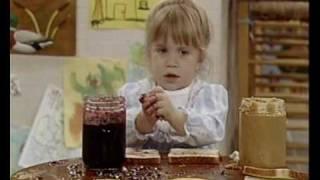 Video Michelle Tanner -  Full House - Seasons 1- 4 download MP3, 3GP, MP4, WEBM, AVI, FLV April 2018