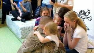 Soldier Surprises Family at Disney