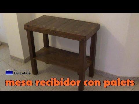 C mo hacer una mesa recibidor con palets youtube for Como hacer una valla con palets