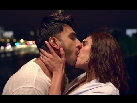 Kissing Scenes in Befikre Trailer |...