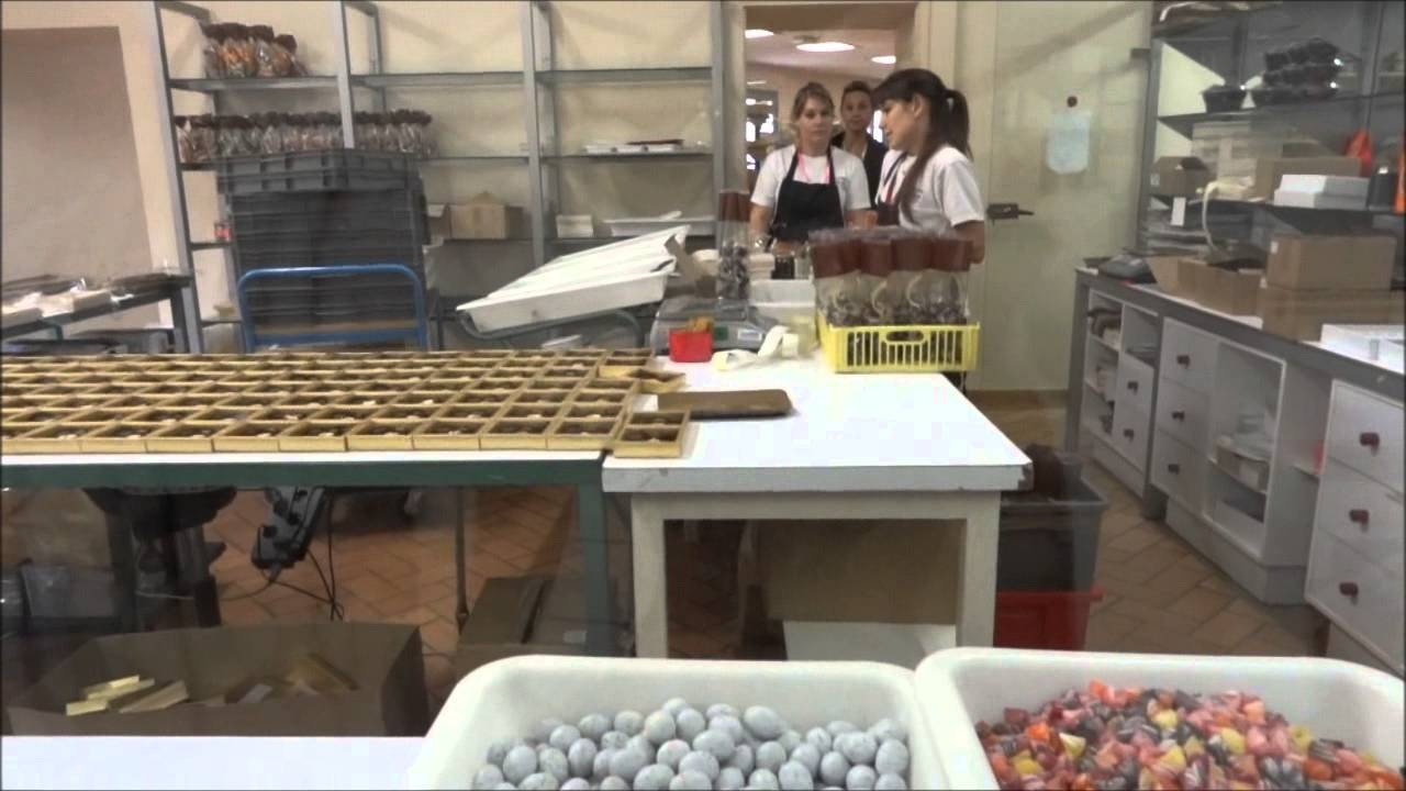 Chocolate Factory France. How it's Made - Sweet Leaf. Round the World Trip, 11