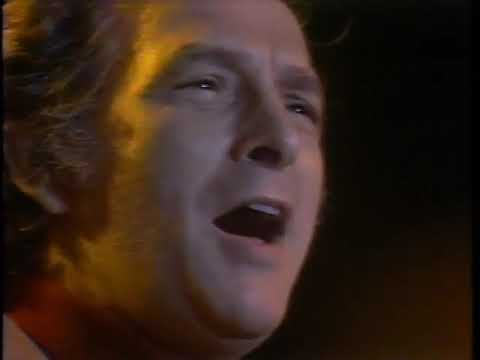 Oscar Brand  Love Me, Im a Liberal  at the Phil Ochs Memorial Concert, 1976