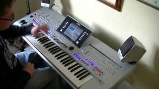 Fanfare from Rocky IV - War - ad lib - Yamaha Tyros - Played Live