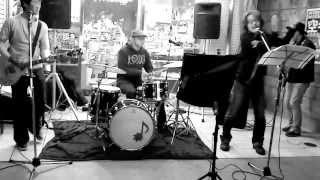 ザ・ブランコズ:松原商店街ナイトバザールでのストリートライブ。即興曲。
