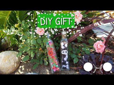 DIY Gift - Origami Paper Stars in a Jar