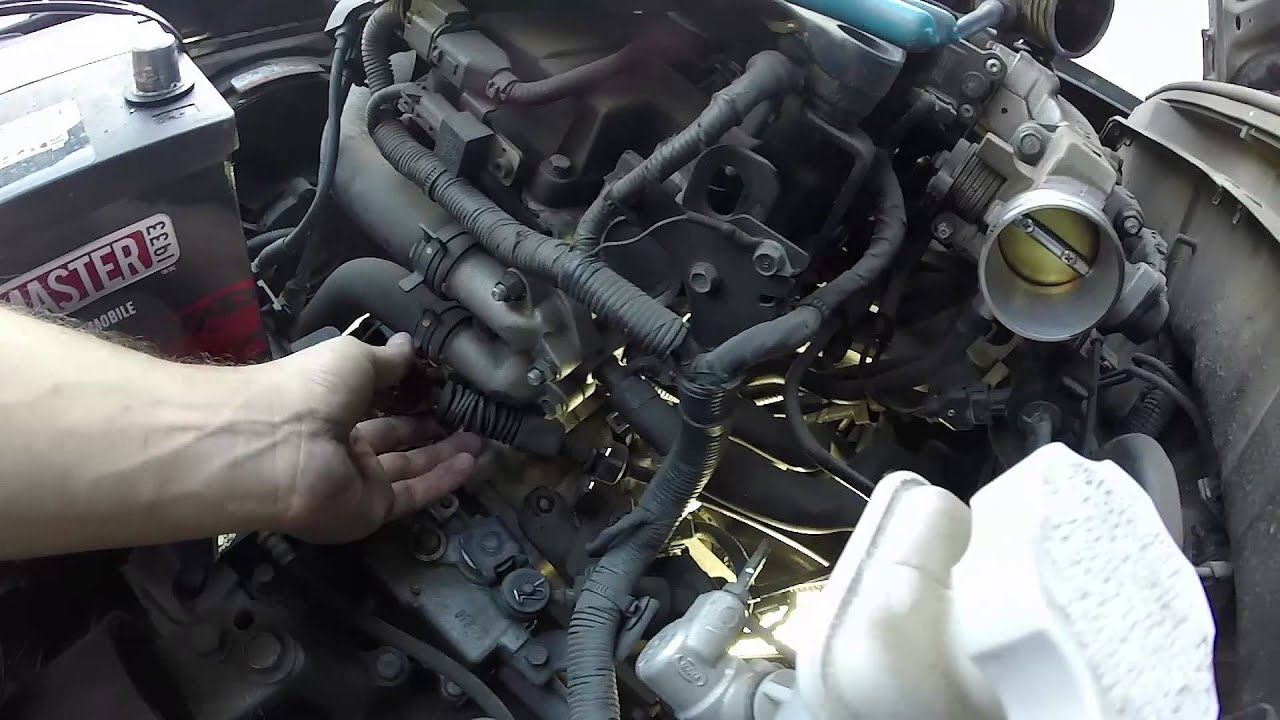 2011 Kia Soul >> 2008 Kia Rio Starter Replacement - YouTube