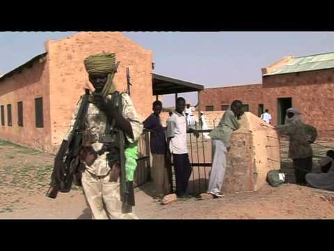 Martin Bell - BBC Newsnight - Darfur, exploring the conflict, 2005