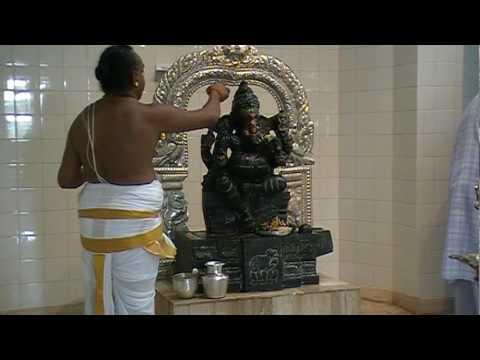 Ganesha Abhishekam 1 2 Youtube