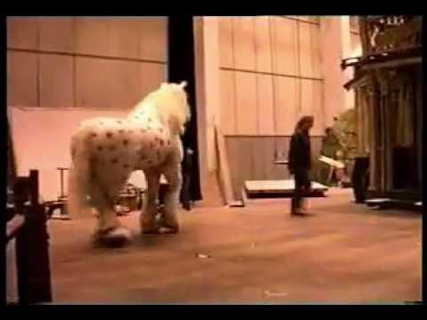 Ultra-realistic animatronic horse costume! (demo)
