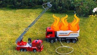 Играем в профессию пожарный Распаковка новой машины BRUDER