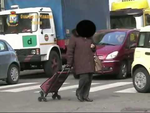 Falsa cieca scoperta dalla Guardia di Finanza a Torino