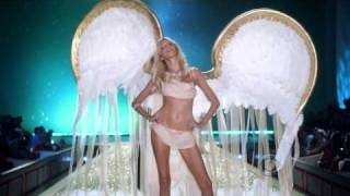 Akon - Angel Live at The Victorias Secret Fashion Show 2010 (Full HD)