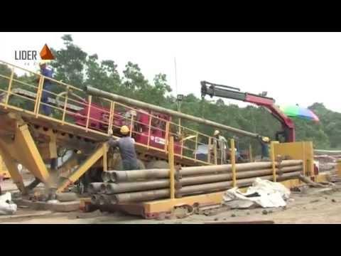 Работа ГНБ установки. Протягивание трубы (видео с объекта)