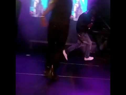 Video!!! Eedris Abdulkareem Beats An Upcoming Artist On Stage.