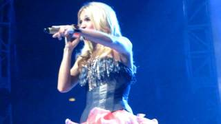 Carrie Underwood - Temporary Home with Funny Intro - Lansing, MI 4-14-10