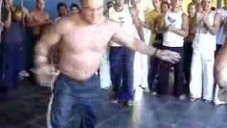 contra mestre igor ngolo capoeira feira brasilia