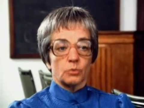 jane elliot Jane elliott (1933- ) education -ba from the university of iowa professional experience -taught 3rd and 4th grade in riceville, iowa (1955-1977.