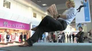Невидимый стул. Классный трюк.(Интересная иллюзия. У кого какие идеи?, 2010-05-20T14:17:17.000Z)