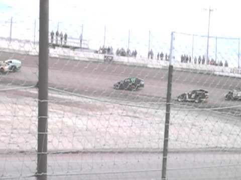 4-9-11 Jeff Elerick lovelock speedway imca modified main part 3