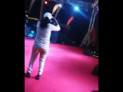 Calaz being throwed by canes @busy signal show 2017