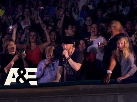 Download Wahlburgers: Donnie Gets Revenge by Making Paul Sing (Season 2, Episode 4) | A&E