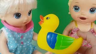 İkiz Baby Alive'lar Oyunlar Oynuyor Eğitici Videolar