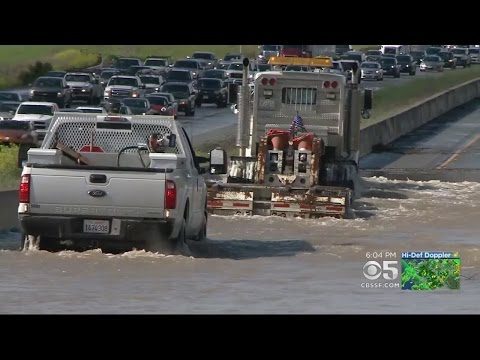 Flooding Shuts Down Northbound 101 In Morgan Hill