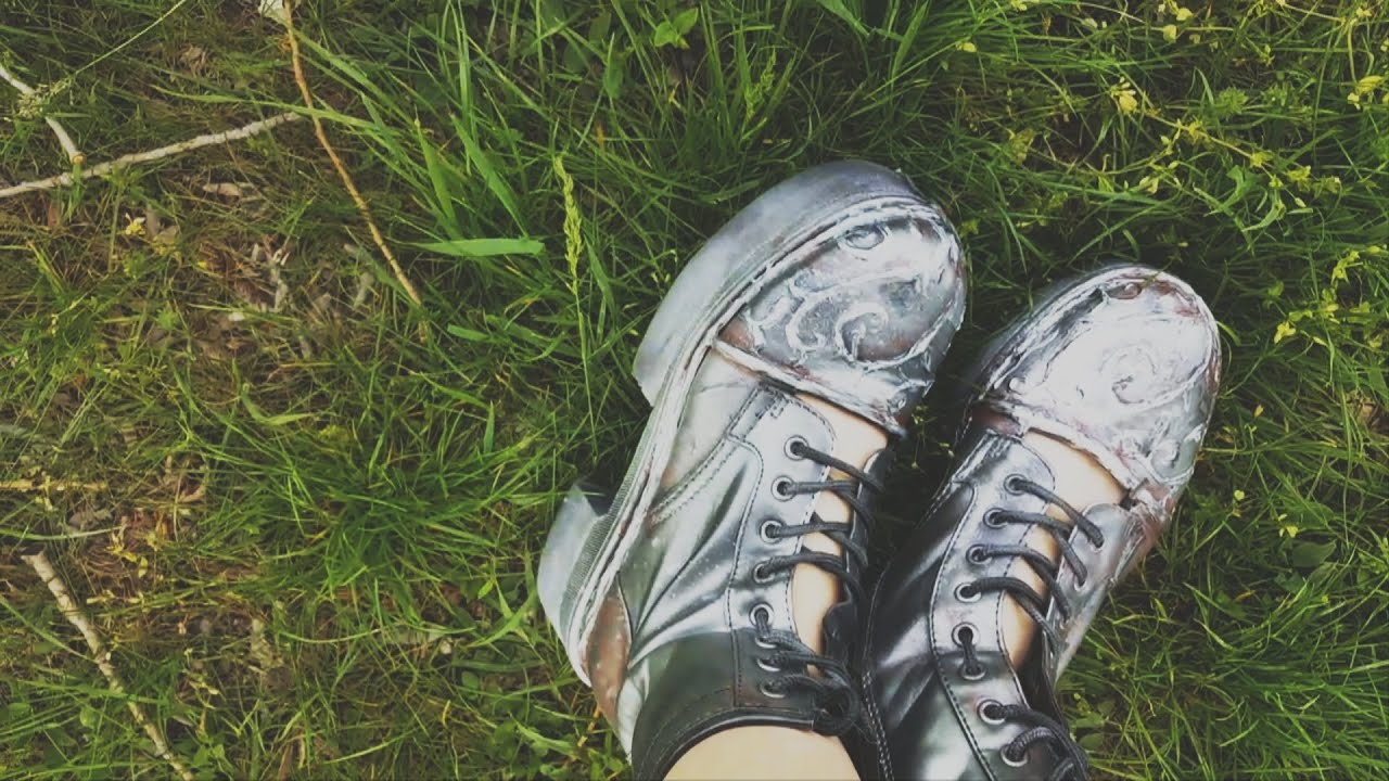 diy emma bloom's metallic boots (miss peregrine's home for