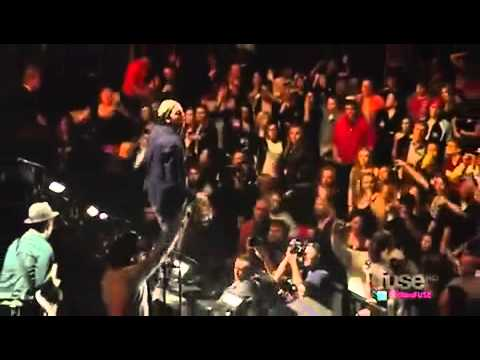 Bruno Mars - Billionaire (feat. Travie McCoy)  Just The Way You Are - Z100's Jingle Ball 2010