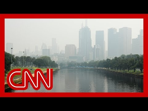 Thick haze from bush fires envelopes Melbourne