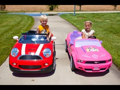 kids car race mini cooper vs the princess mustang