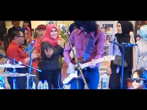 Mari Berjoget (Koes Plus) ★ Goyang Asyik Bareng T-Koes Band @ Plaza Blok M (23/10)