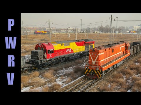 Chinese trains - Urumqi, Xinjiang DF12 mainline and yard action HXD1C, HXN5B