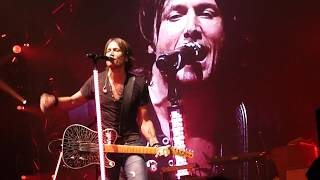 """Keith Urban """"Somebody Like You"""" LIVE Full Extended +Bonus Up Close WET@BancorpSouth Arena Tupelo MS"""