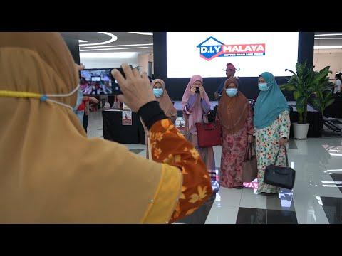 Rombongan kariah Masjid Abu Ubaidah Al-Jarrah ke Malakat Mall