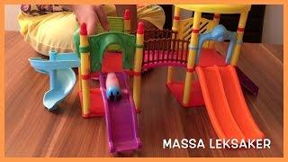 Peppa Pig Svenska: Greta Gris och George leker i en fin lekplats. Roligt med MASSA LEKSAKER