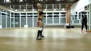 Yana Booty Twerk Dance